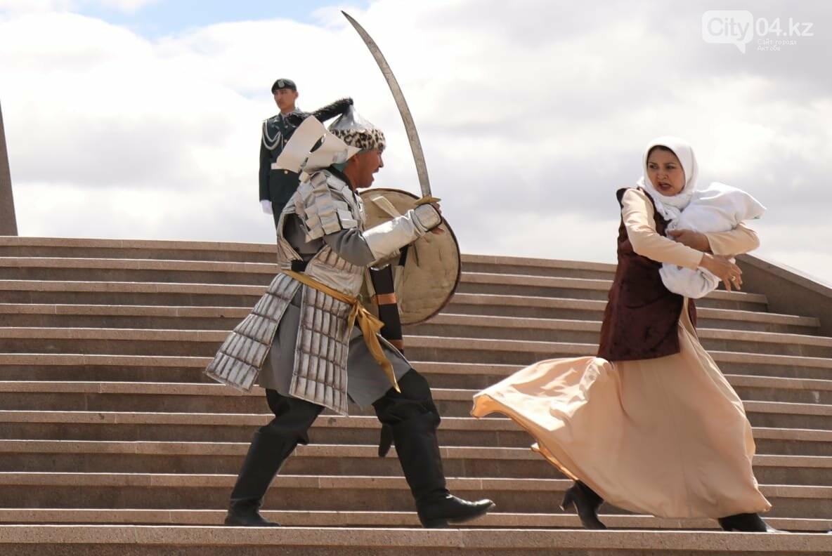 Ақтөбеде Бөкенбай батырдың  ескерткіші ашылды, фото-12
