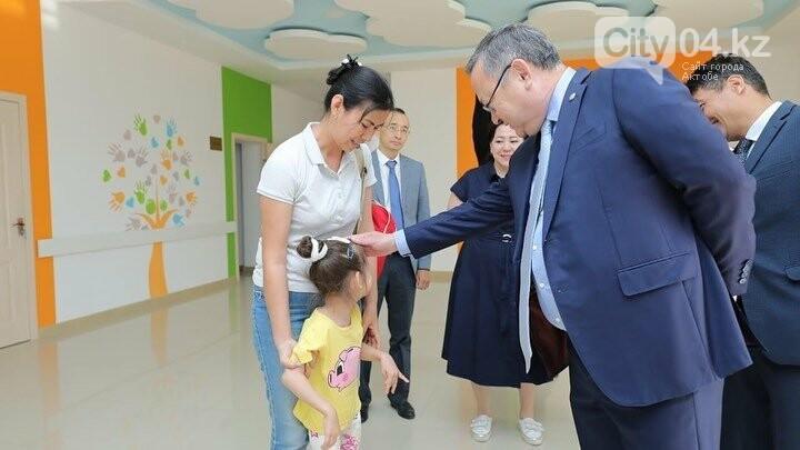 Облыс басшысы Ақтөбедегі «Аяла» балаларды оңалту орталығында болды, фото-4