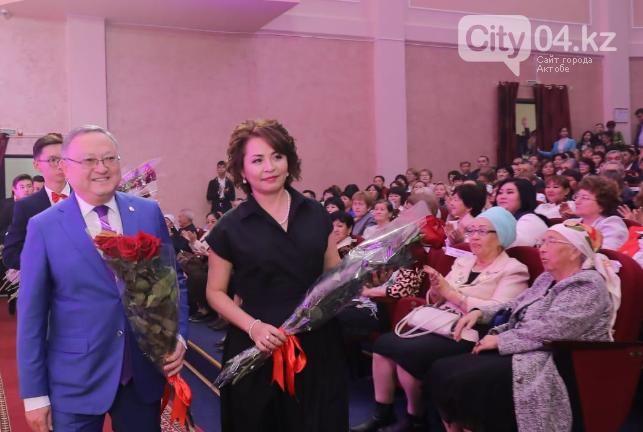 В Актобе поздравили лучших учителей, фото-1