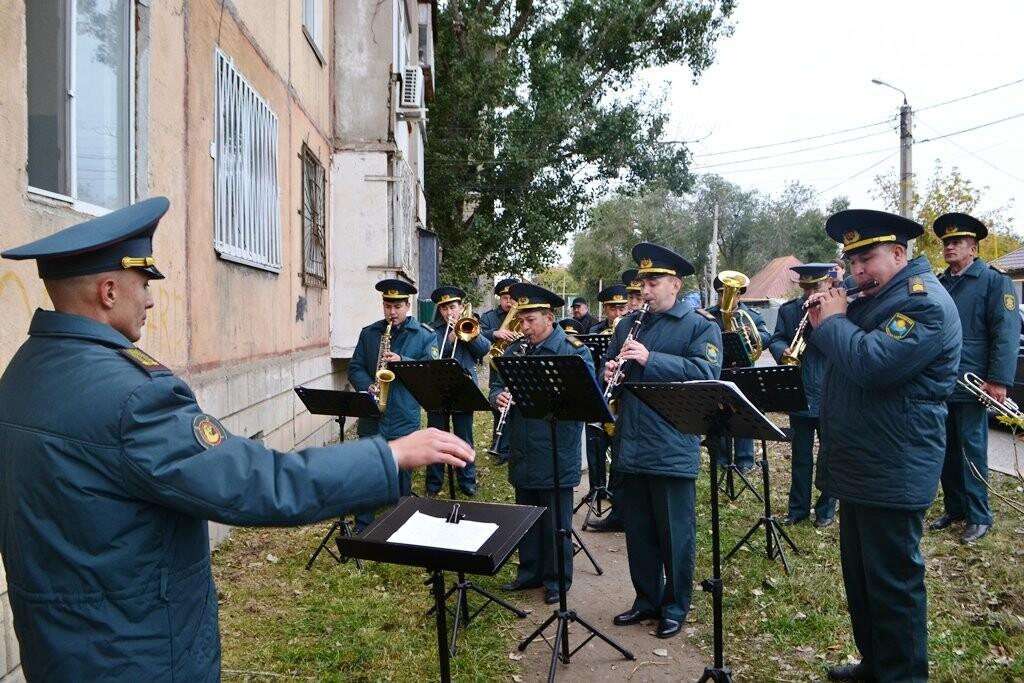 «Желаю прожить не меньше, чем я»: В Уральске ветеран ВОВ отмечает 105-летний юбилей, фото-1