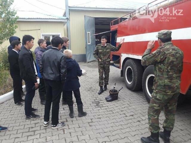 В честь Дня спасателя школьникам Бадамши устроили экскурсию в отдел ЧС, фото-1
