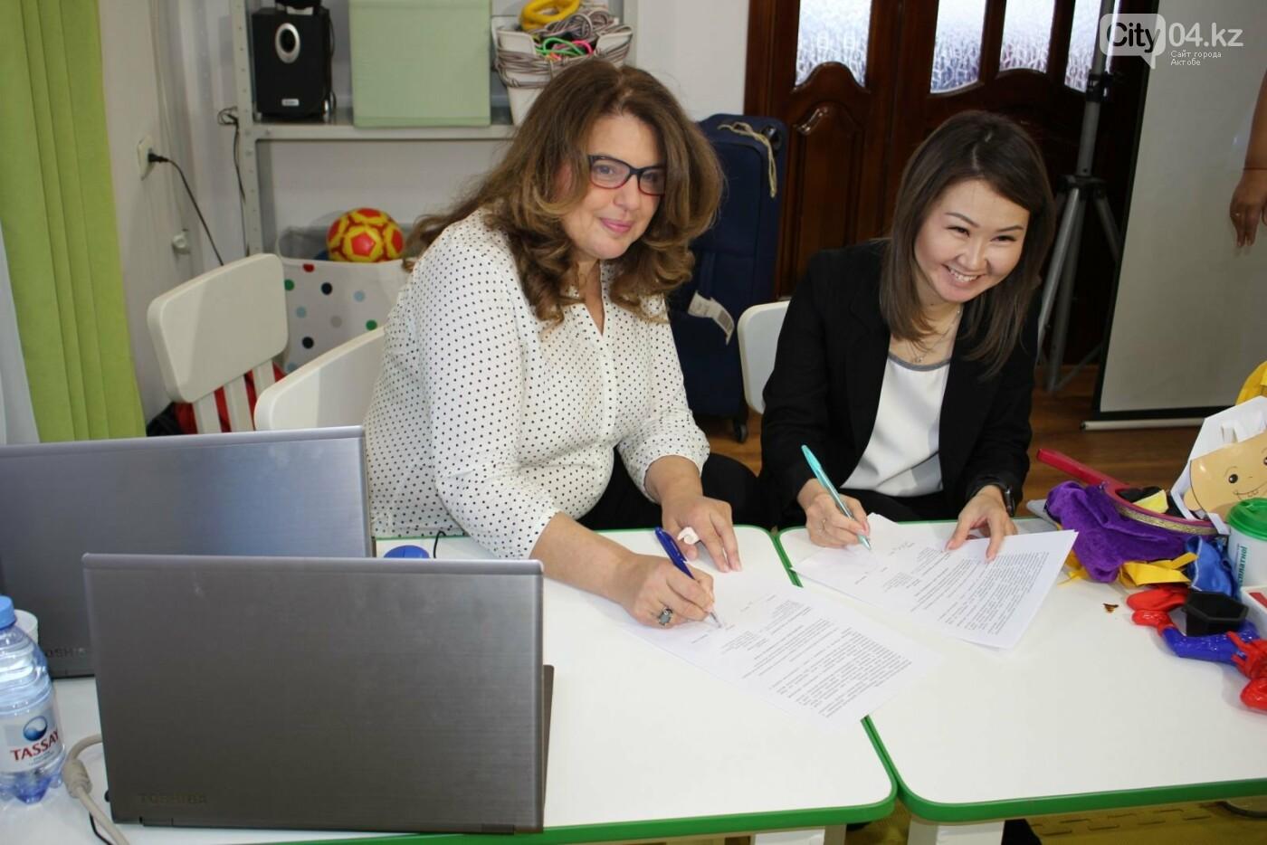 Израильские специалисты обучают сотрудников центра для особенных детей, фото-2