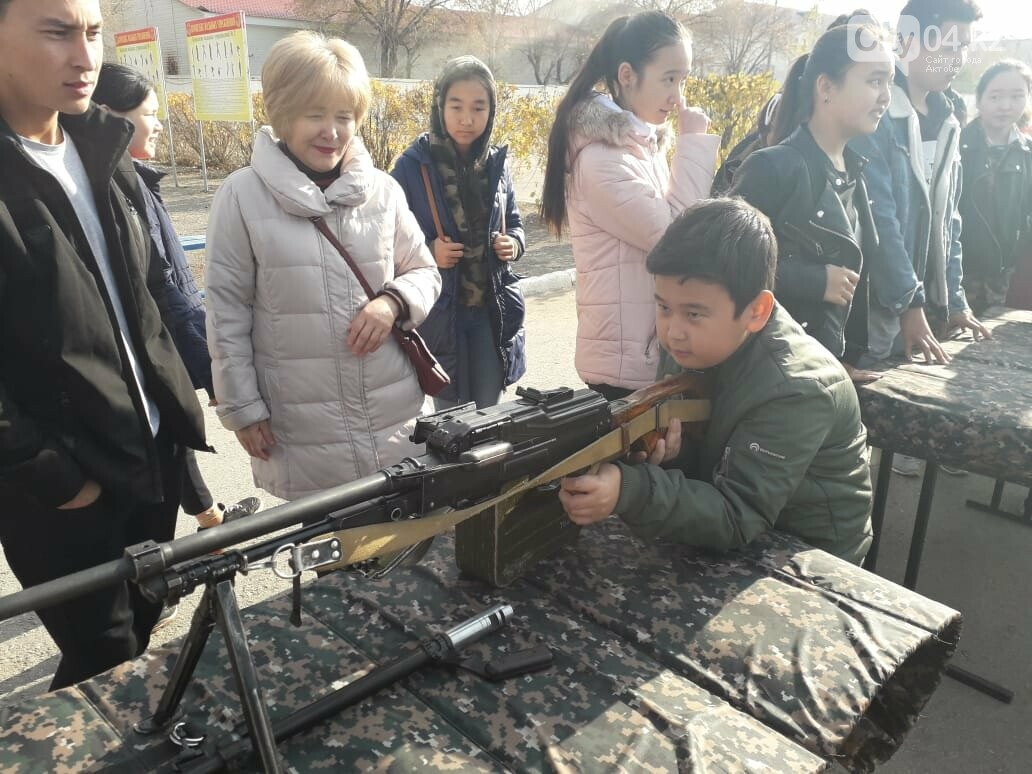 Актюбинские гвардейцы провели для школьников день открытых дверей, фото-3