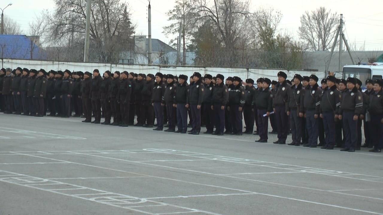 Ақтөбелік полицейлер қысқы киім үлгісіне көшуде, фото-1
