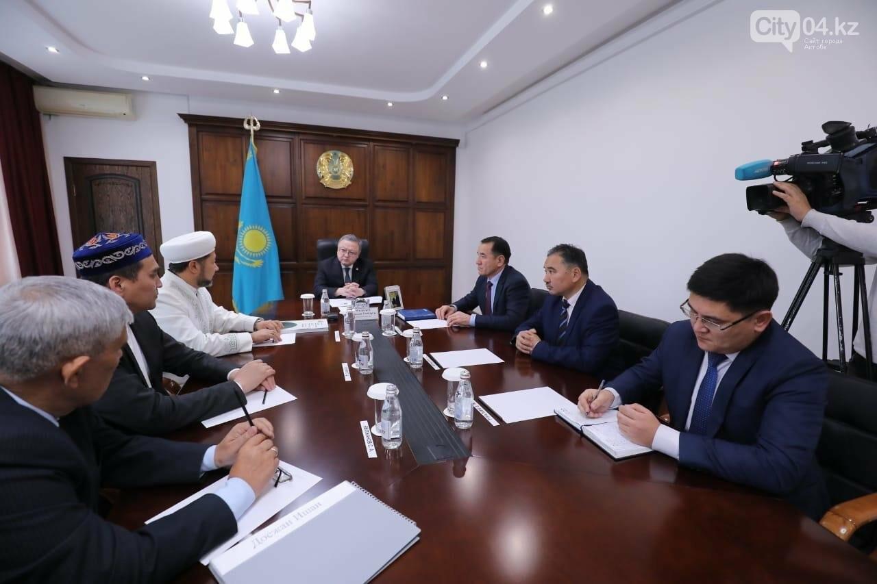 Оңдасын Оразалин ҚМДБ төрағасының бірінші орынбасары, наиб мүфти  Наурызбай Өтпеновпен кездесті, фото-1