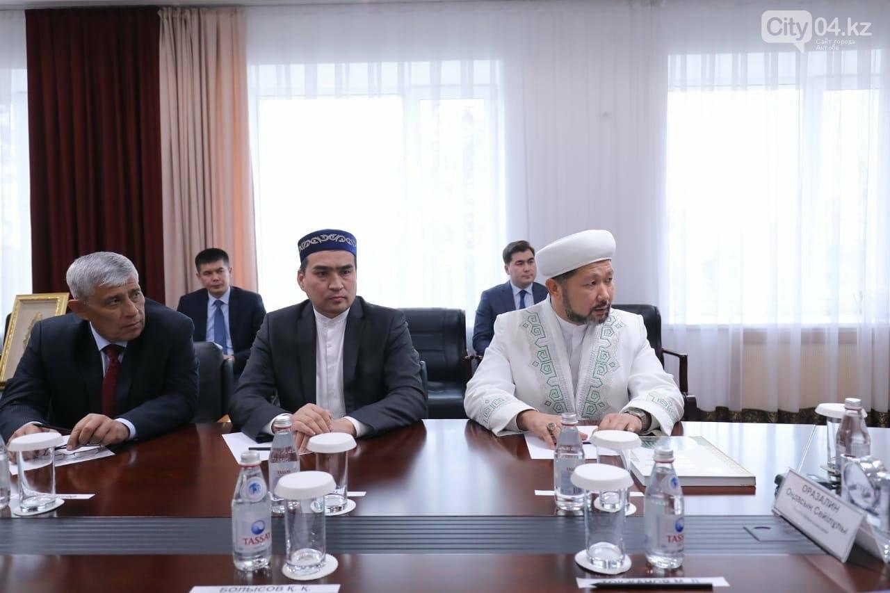 Оңдасын Оразалин ҚМДБ төрағасының бірінші орынбасары, наиб мүфти  Наурызбай Өтпеновпен кездесті, фото-2