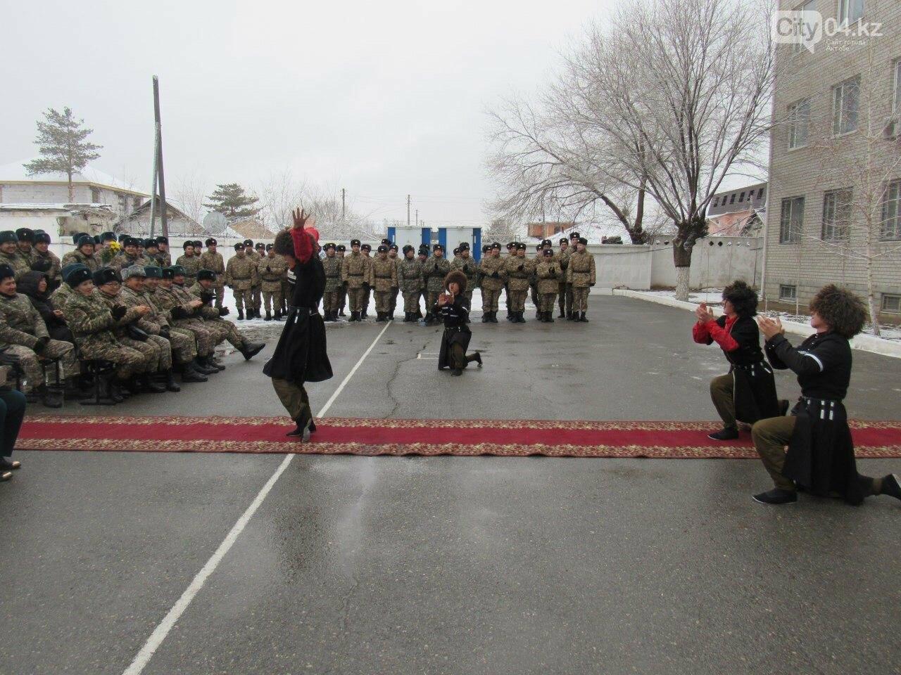 В Актобе отметили День артиллериста, фото-2