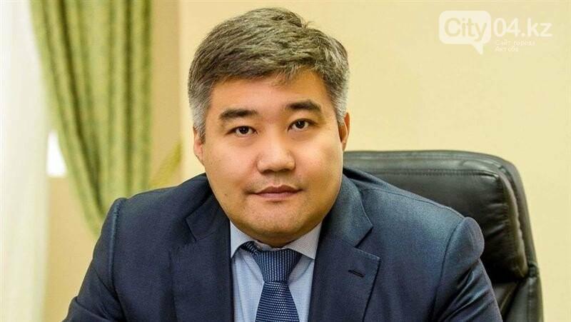 Чиновники в правительстве получили новые должности, фото-2