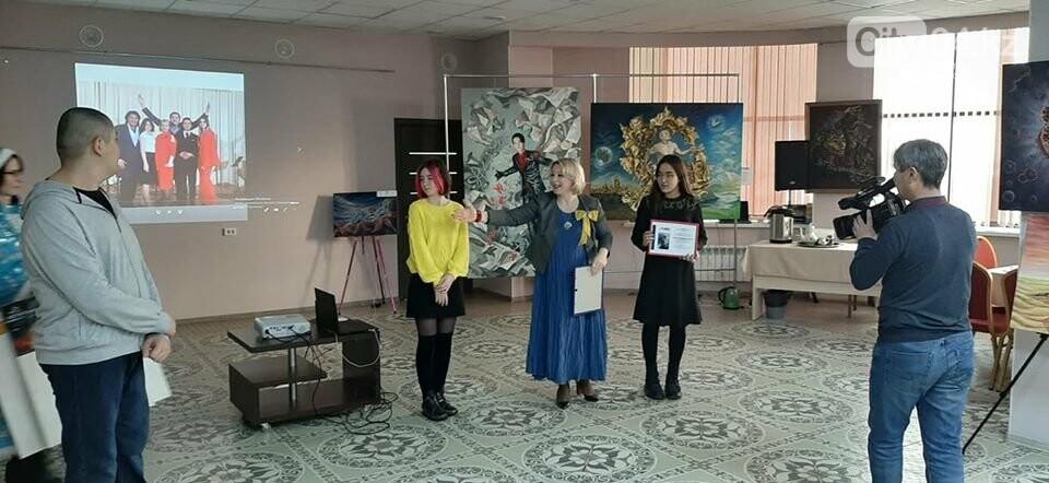 В галерее ArtLab чествовали юных художников, фото-2