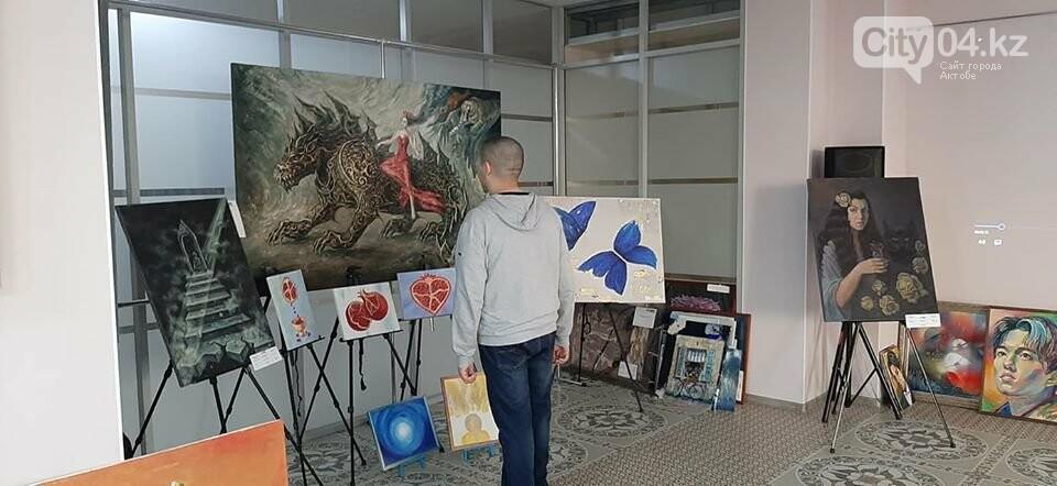 В галерее ArtLab чествовали юных художников, фото-1