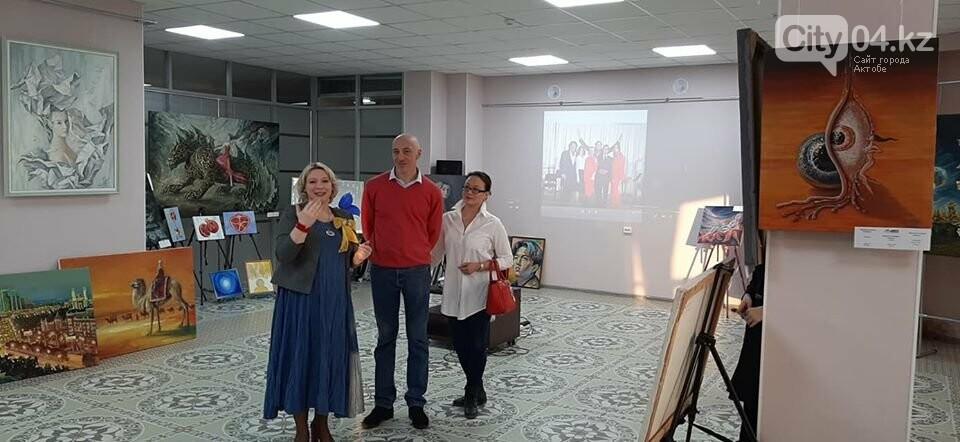 В галерее ArtLab чествовали юных художников, фото-3