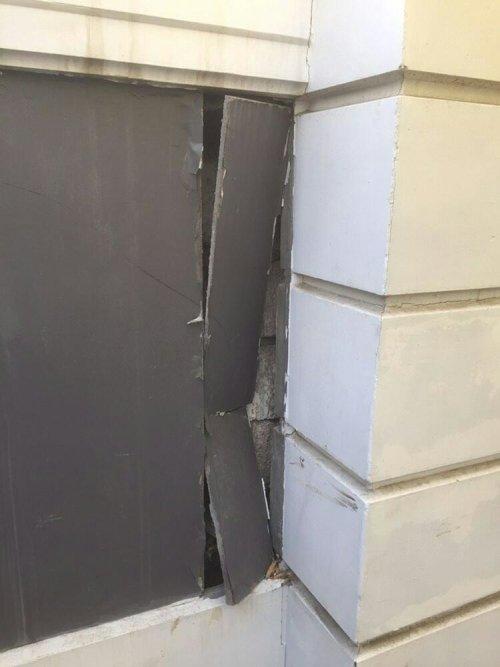 В Актобе разрушается новый памятник к 75-летию Победы, фото-1